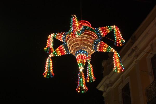 navidadmexicopiñata.jpg13